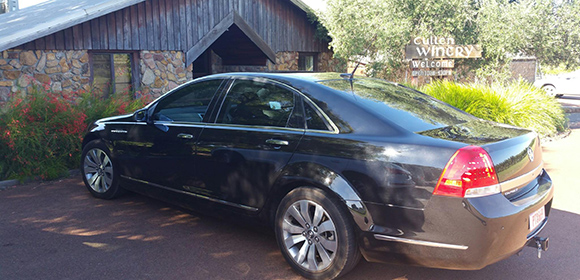 Margaret-River-Winery-Tours-Black-Car-at-Entrance